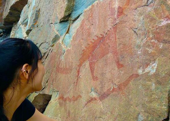 student seeing agawa pictograph